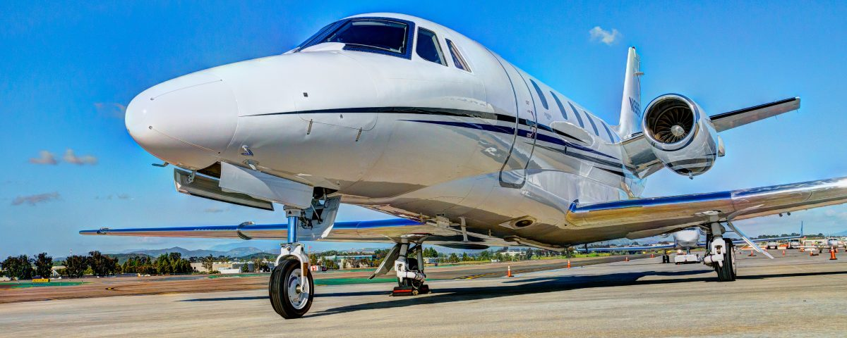 Private Jet Charter N1985H