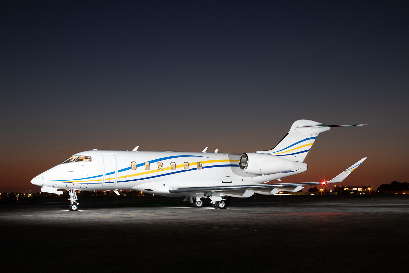 Bombardier Challenger 350 Private Jet Charter