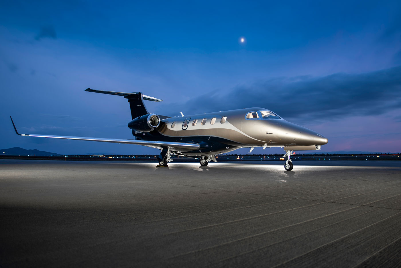 2015 Embraer Phenom 300 Exterior for sale
